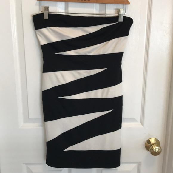 Arden B Dresses & Skirts - Strapless zebra pattern (black and white) dress